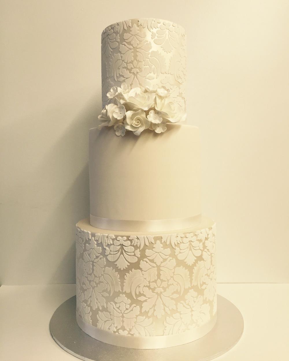 Vanilla Pod wedding Cake.JPG