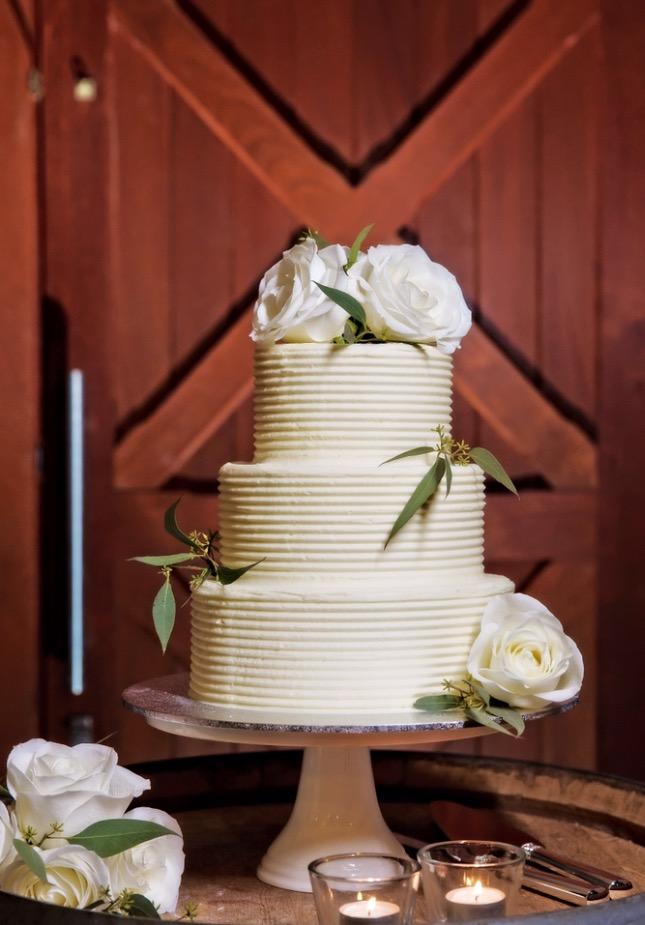 Vanilla Pod wedding cake with textured frosting and flowers Brisbane 1.jpg