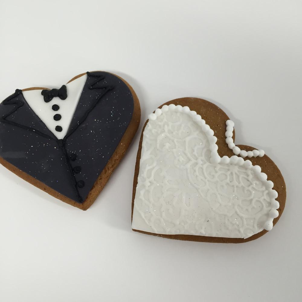 Vanilla pod Wedding Bonbonneires Bride and Groom Biscuits Brisbane.JPG