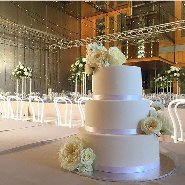 vanillapod-weddingcake-.jpg