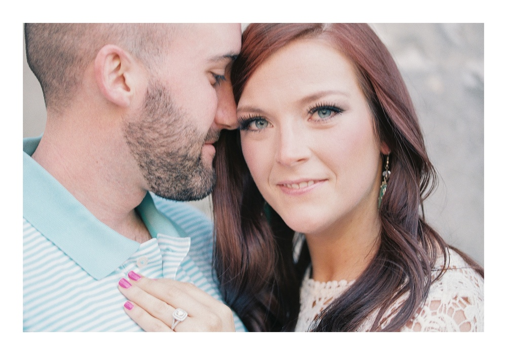 Charleston engagement photographer captures couple downtown Historic Charleston
