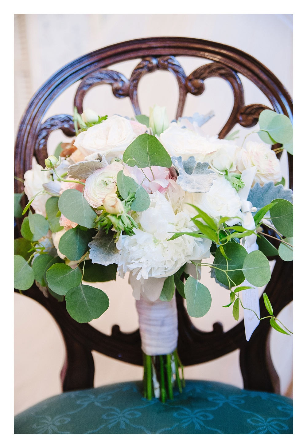 Green Bee Floral Design bridal bouquet
