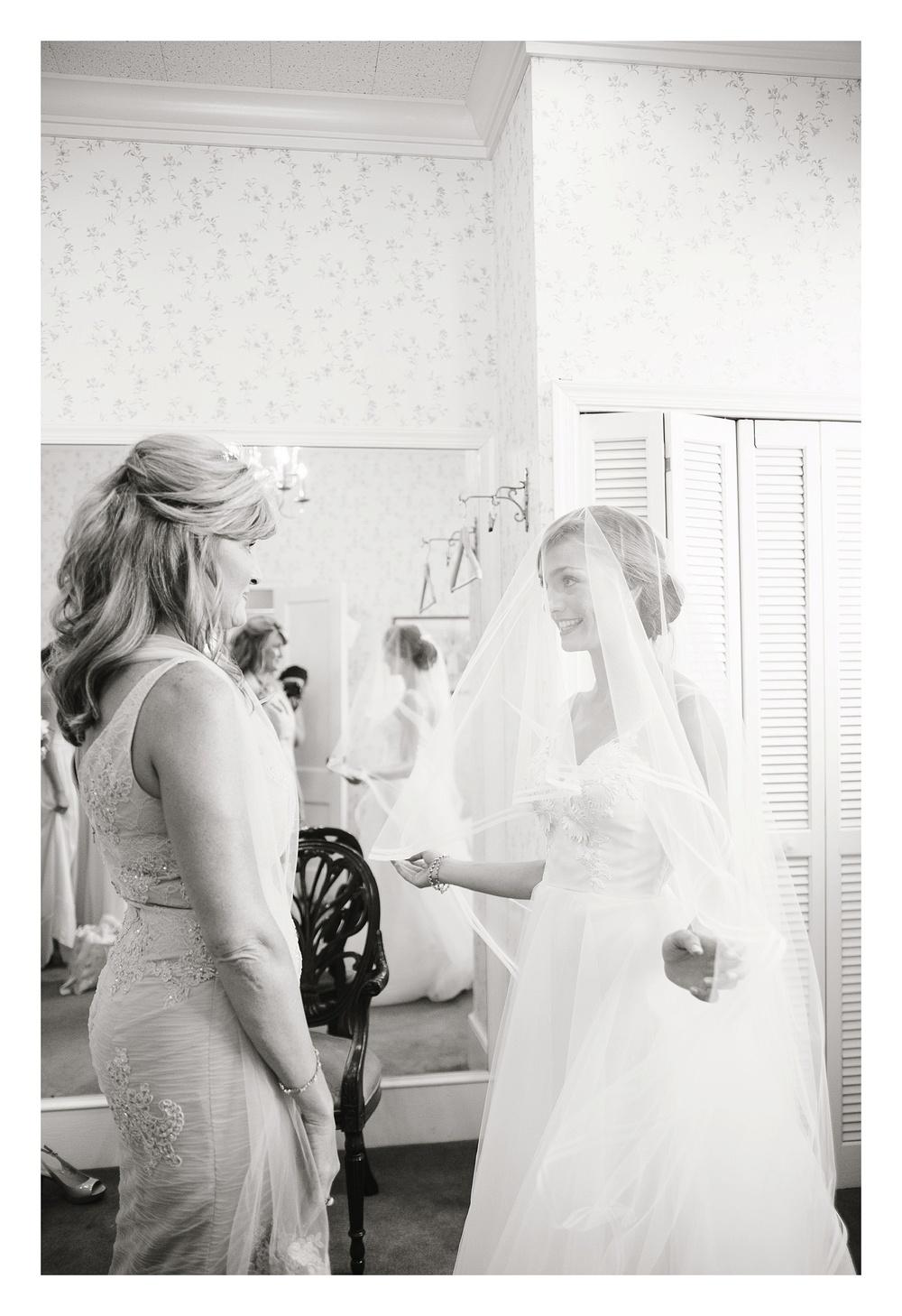 getting ready at First Baptist church of greensboro wedding photos