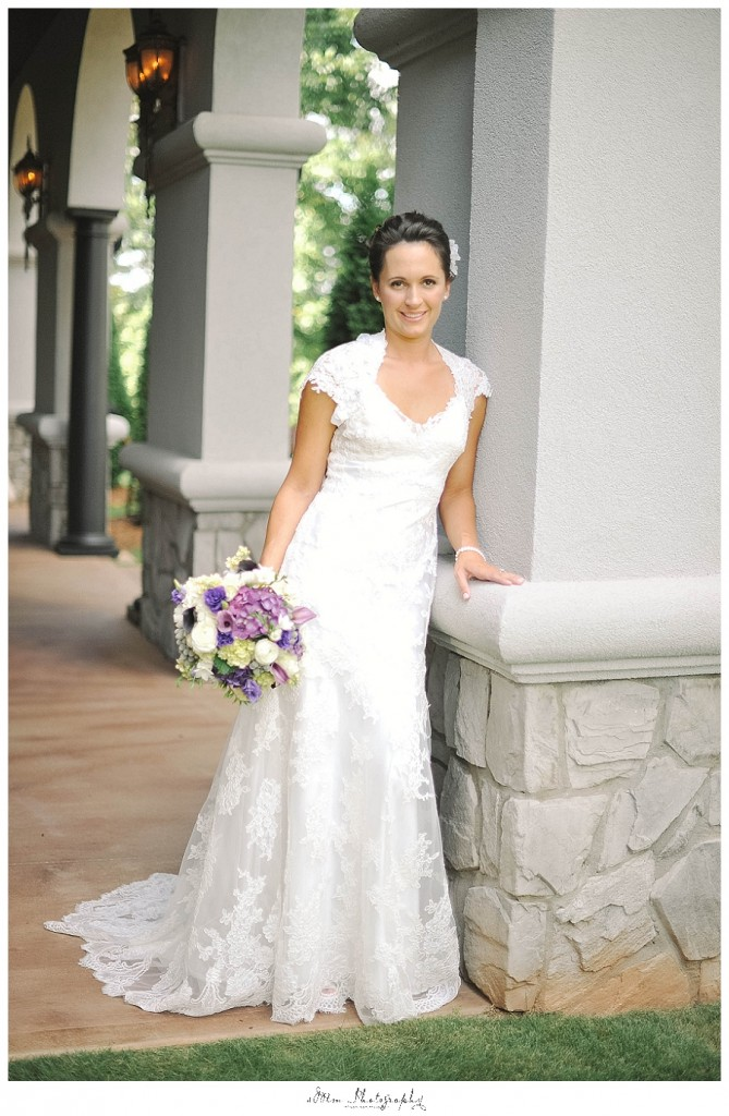 bridal portrait at brakefield of riverwalk