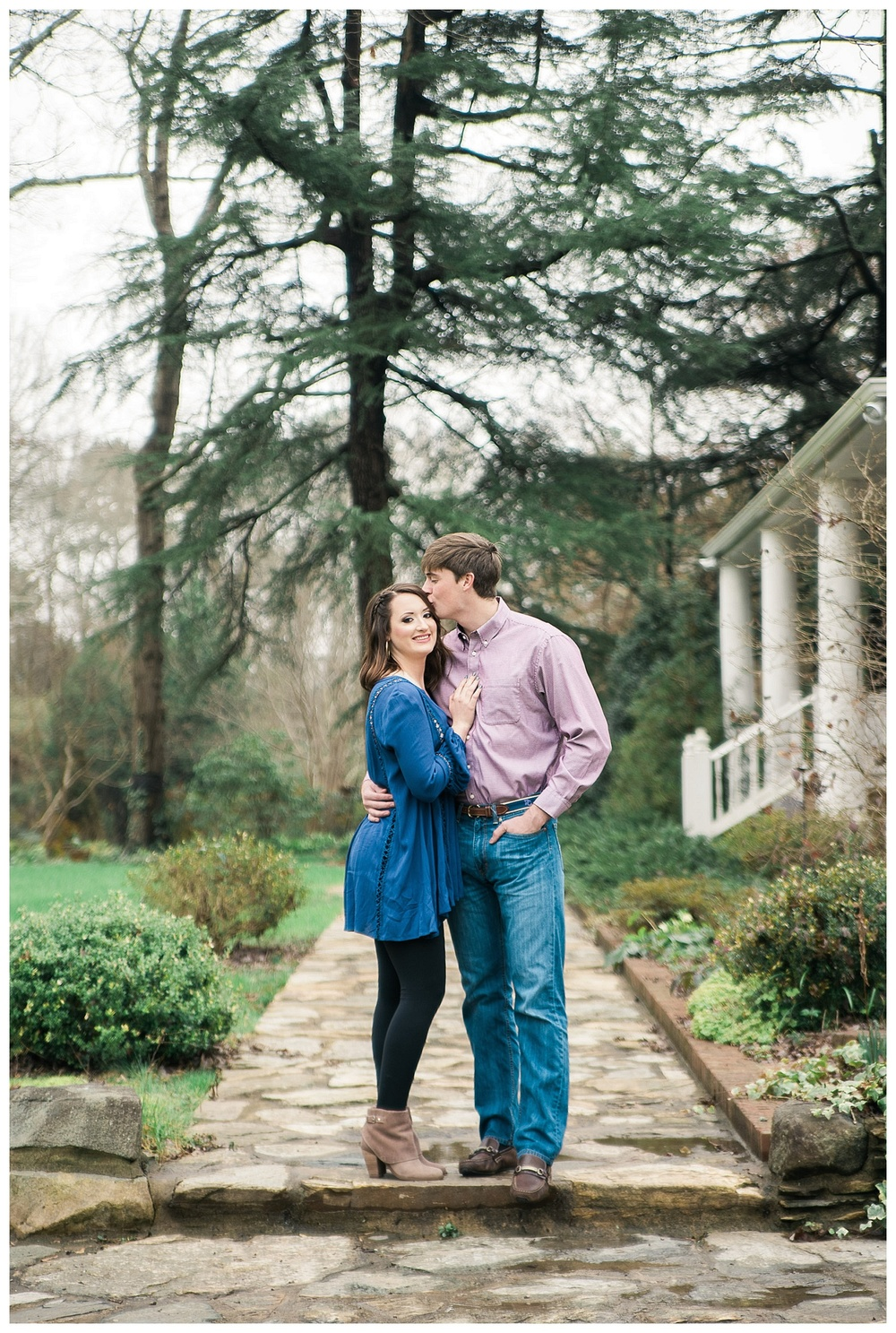 Ivy Place engagement portraits | Charlotte Wedding Photographer  - sMm Photography