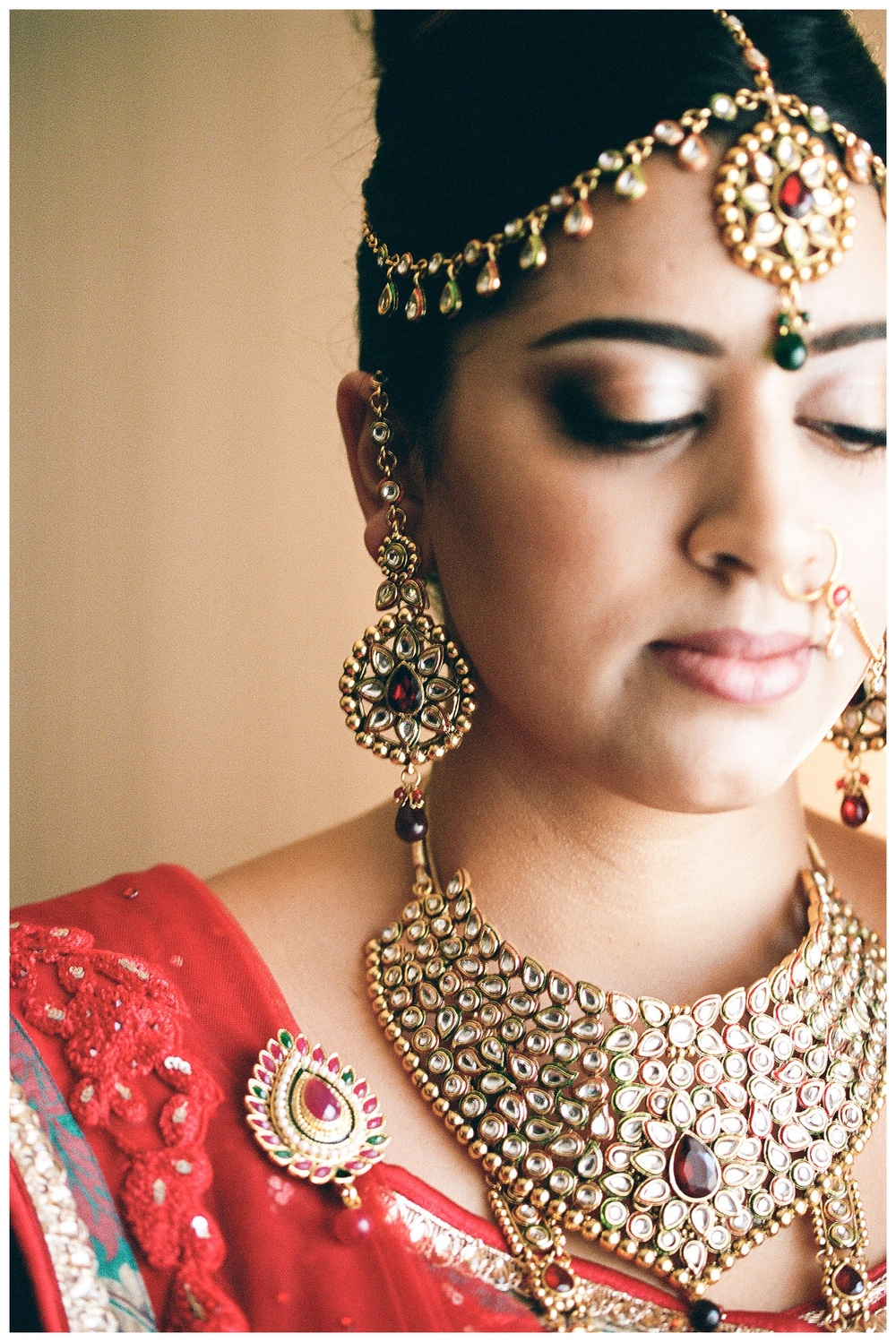 Indian bride gets ready for BAPS Atlanta wedding