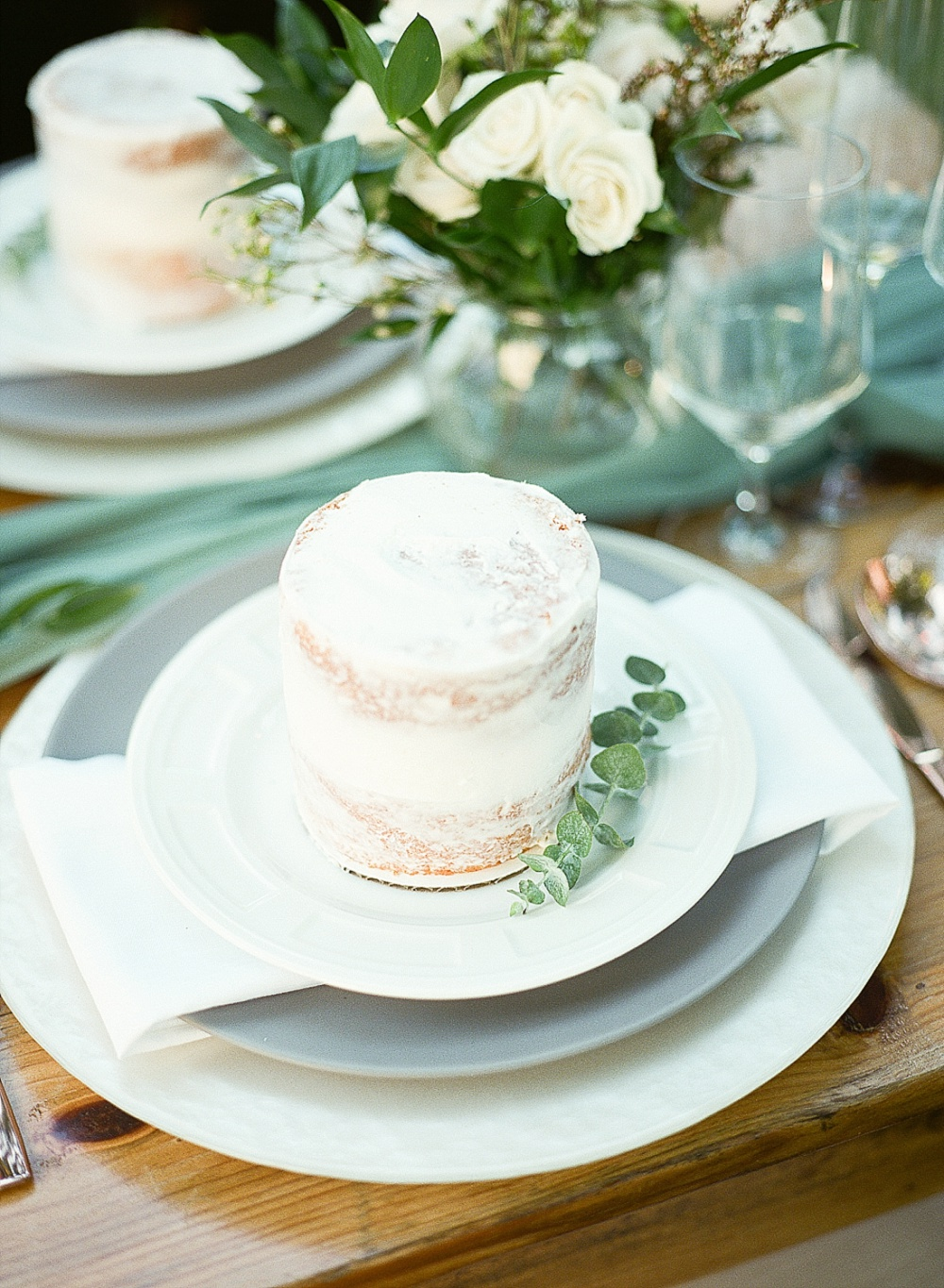 wedding cake at The Ivy Place wedding, charlotte film photographer