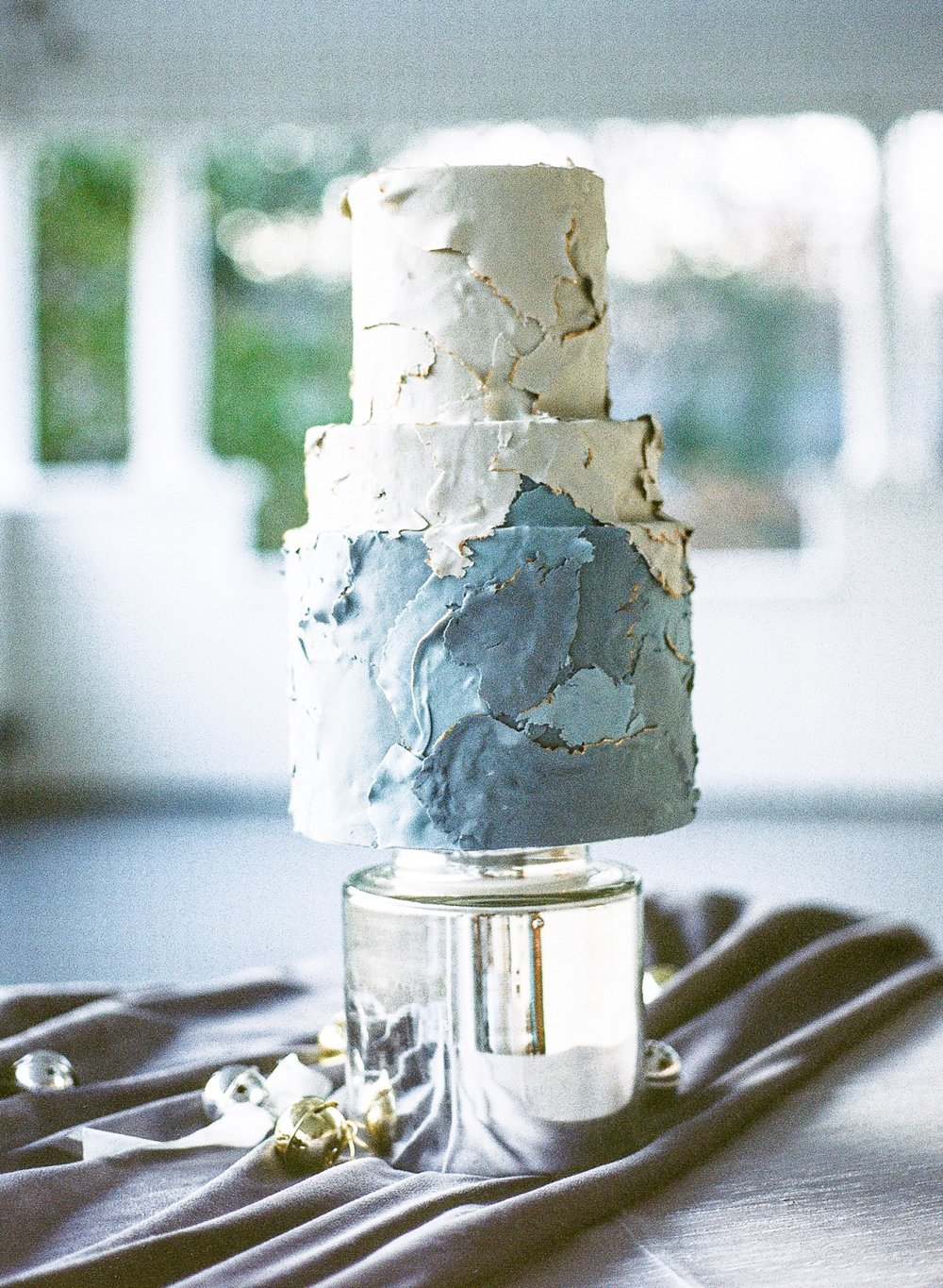 WOW Factor Cake - Winter wedding at Ritchie Hill, Charlotte film photographer