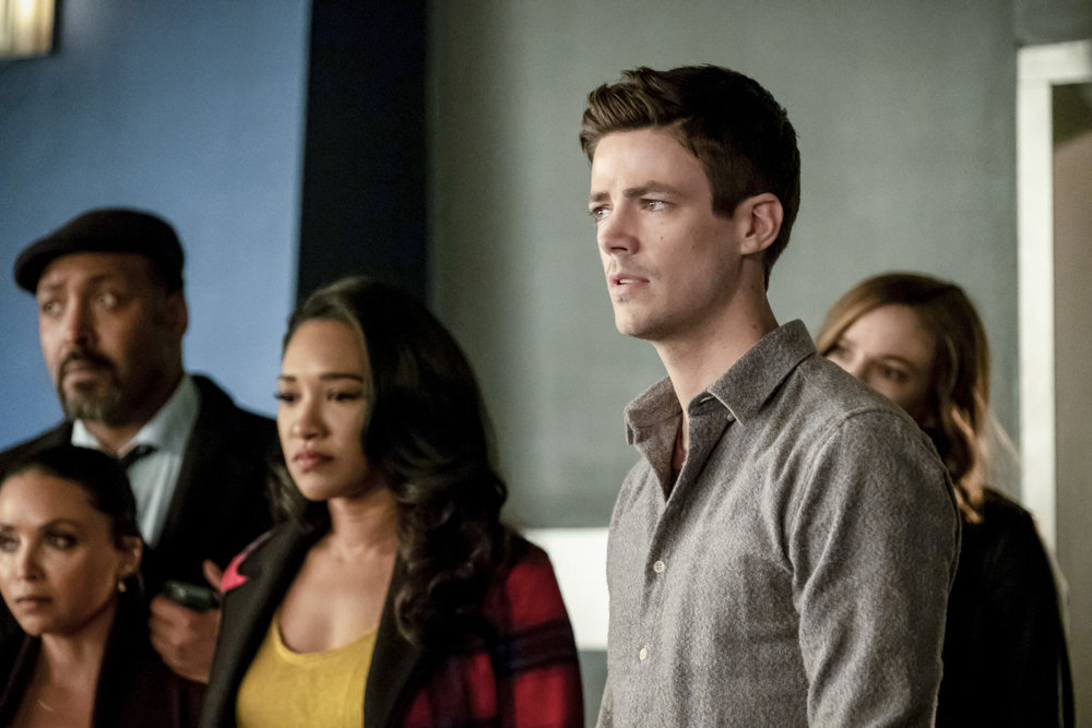 Flash Recap : Time Bomb - We see Flash battle Grace aka Cicada-2. But the real meat of this episode is team flash learns of Nora's secret