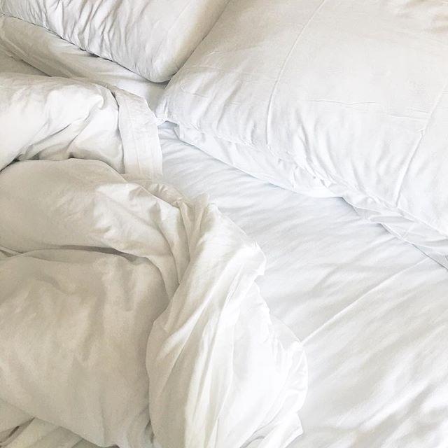 White sheets, always 🙌🏻 #stillpostingaboutLA