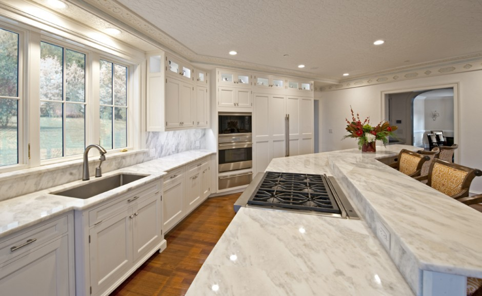 white-gourmet-kitchens.jpg