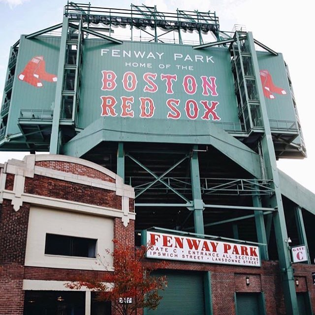 Let's go SOX! Exciting weekend with the #worldseries and @sowaboston #spooktacular  repost from @boston