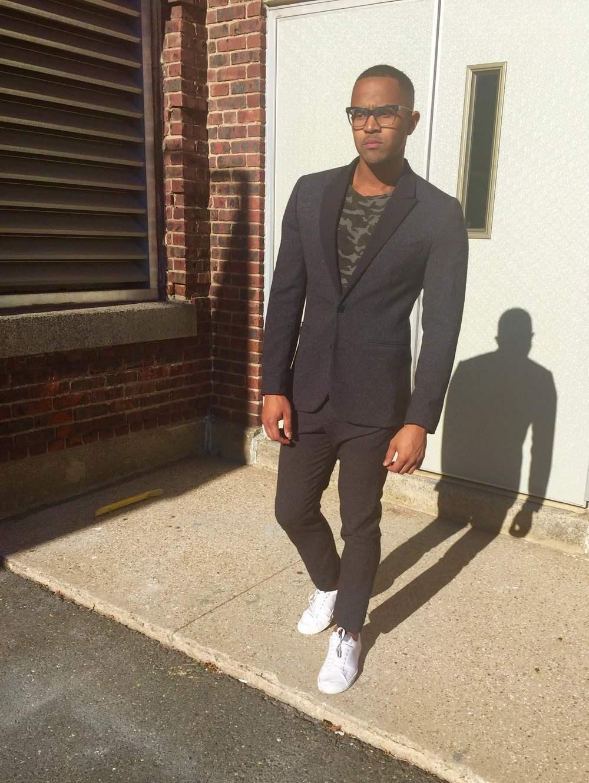 This is the second part of the outfit above. This suit from HM.com is my favorite cause of the highwater pants and the perfect fit.  ****  Esta es la segunda parte del outfit de arriba.Este traje de HM.com es mi favorito porque muestra los tobillos y le va perfecto a mi cuerpo.