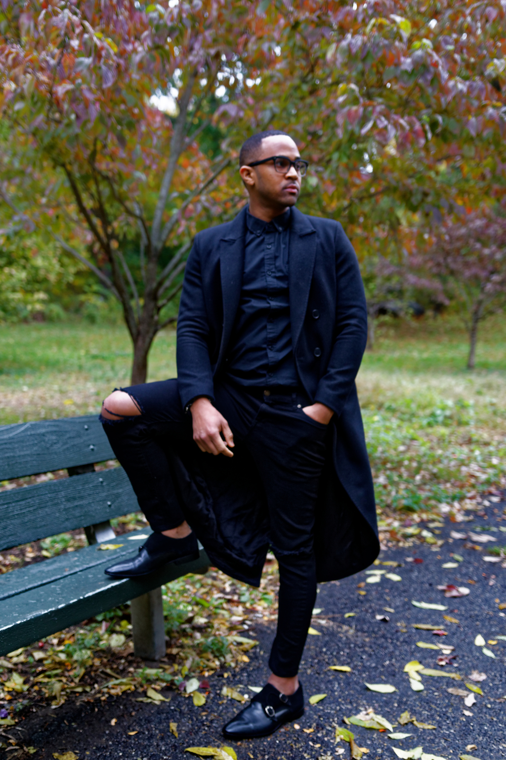 All Black Outfit       Make a bold statement using the iconic all black outfit. A gentleman wearing all black is still intriguing, but it also offers the right amount of elegant seriousness.The following accessories will help you take your outfits to the next level.