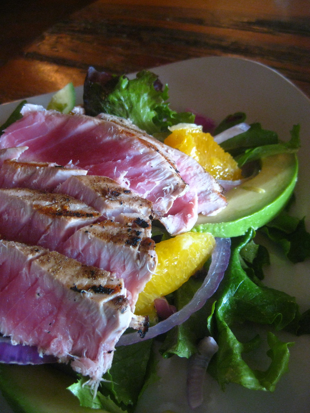 Grilled Tuna, Avocado & Oranges