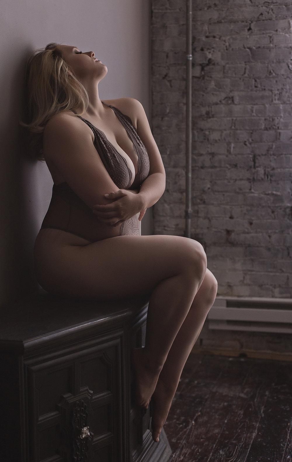 sexybodysuitboudoir.jpg