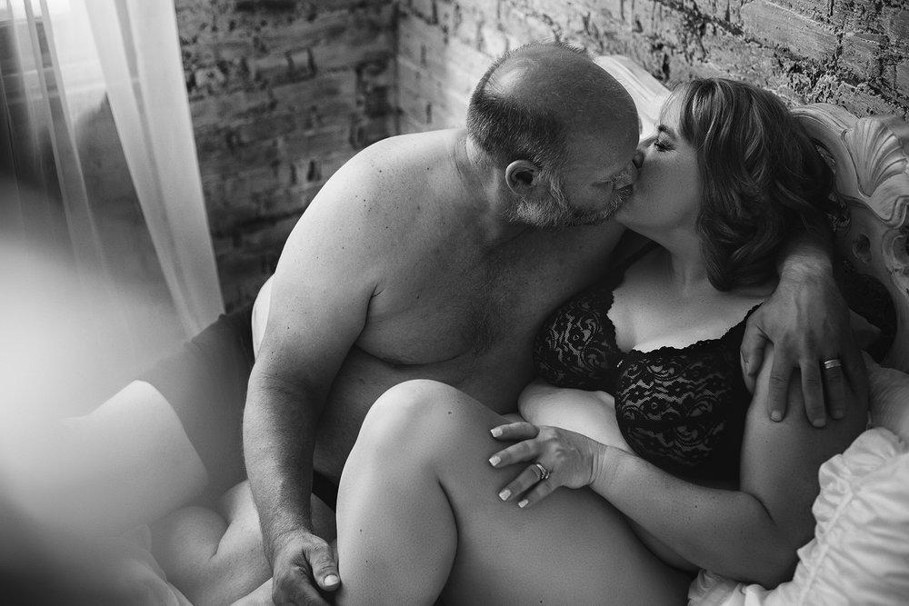 couplesboudoirblackandwhite.jpg