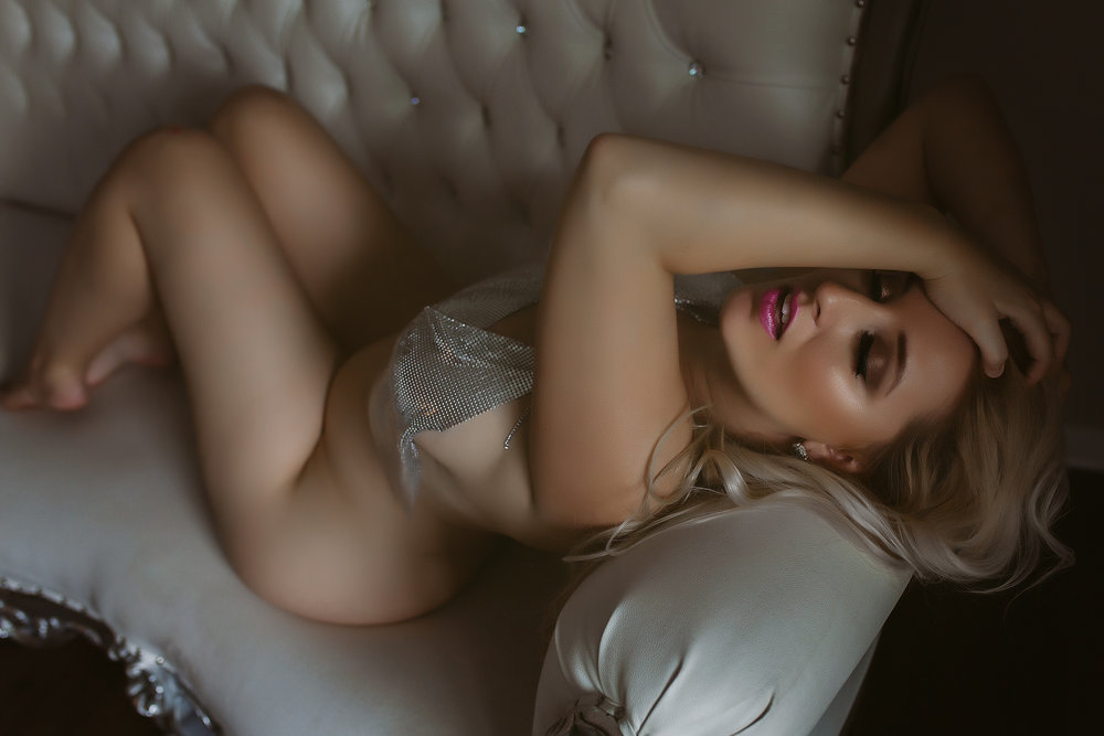 VIEW THE WOMEN'S BOUDOIR GALLERY -