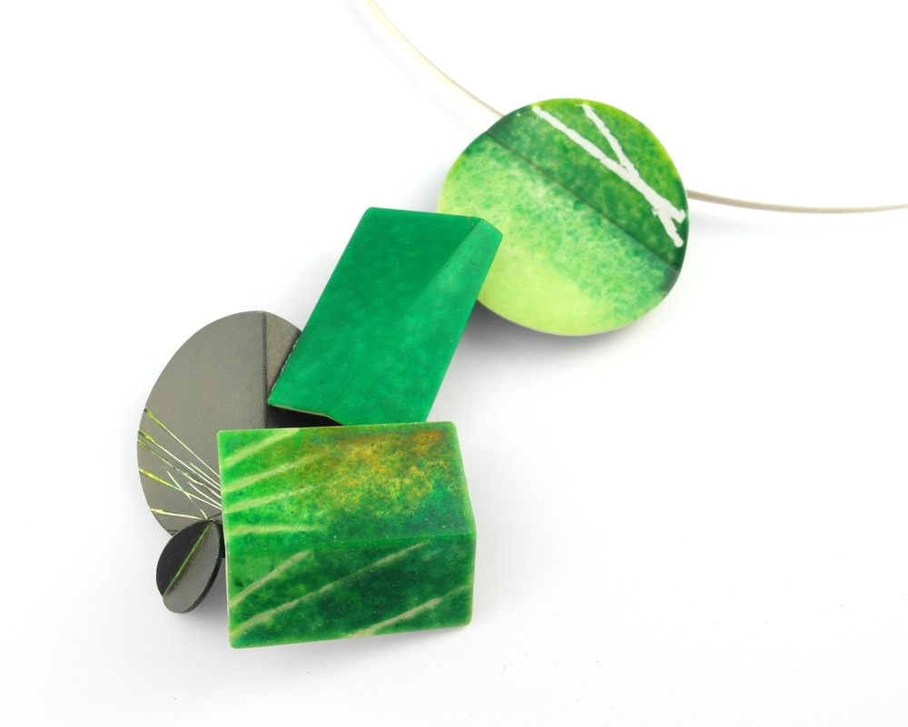 D833 Pendant by Dore Stockhausen 2012 - 925 & fine silver, enamel. (Private collection)