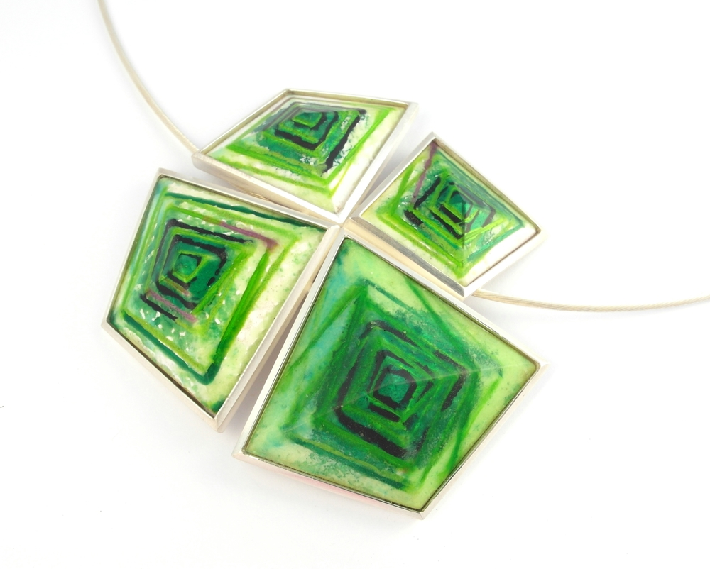 D887 Pendant by Dore Stockhausen 2012 - 925 & fine silver, enamel (Private collection)