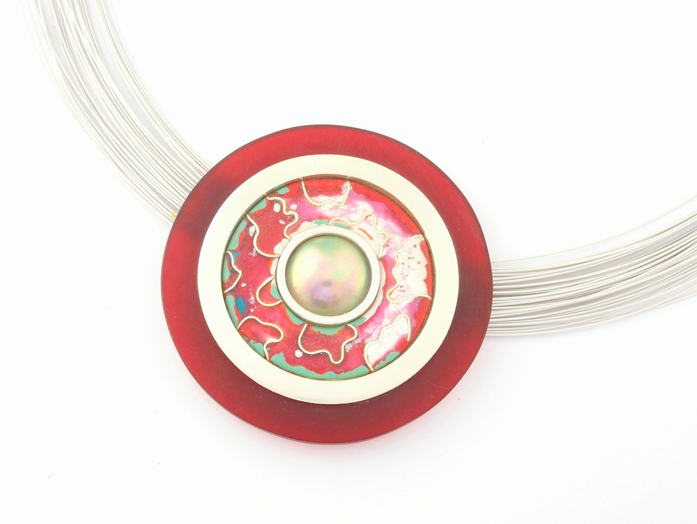 D927 Pendant by Dore Stockhausen 2014 - 925 & fine silver, MAPA pearl, enamel, acrylic, tiger tail (Private collection)