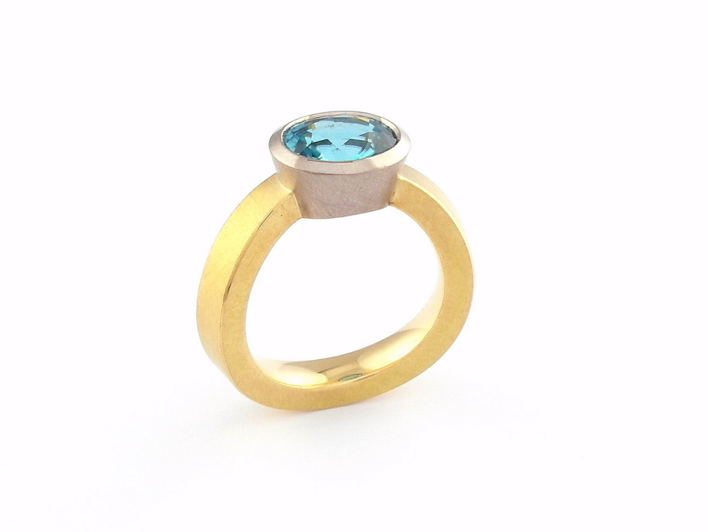 Peter's gold and zircon ring by Marcus Foley 2013 - 18ct yellow and white gold, oval cut zircon (Private collection)