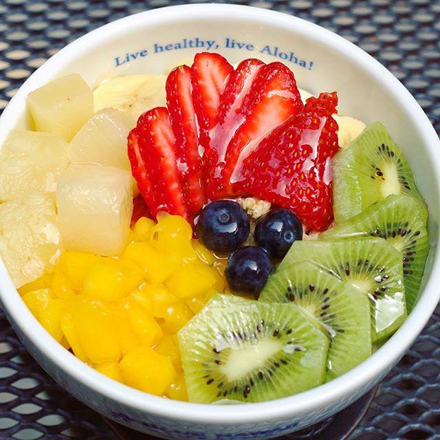 Summer Açai Bowl in the cafe. Cool summer grinds have never been so hot!#bluehawaiilifestyle #ono #summer #exclusive #acaibowl #livealoha #eataloha #🍴 #🍇 #🍍 #mango