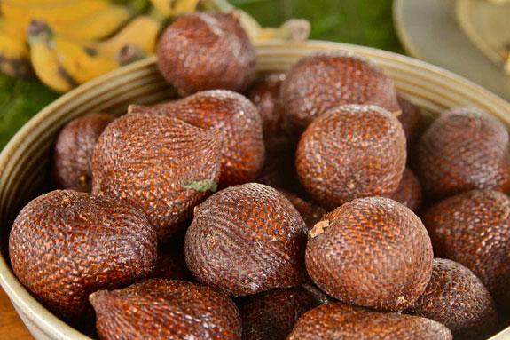 snakefruit-salak-large1.jpg