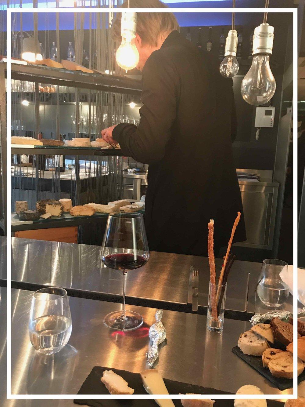 #mrazundsohn #käsevomwagen #kulinarischges #sternegastronomie #wien #disawistories.jpg