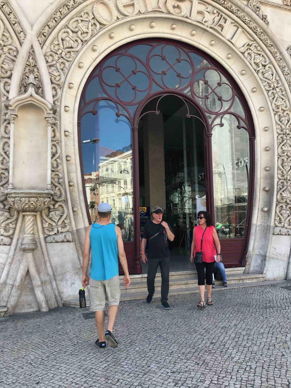 #disawistories #lissabon #bahnhof.jpg