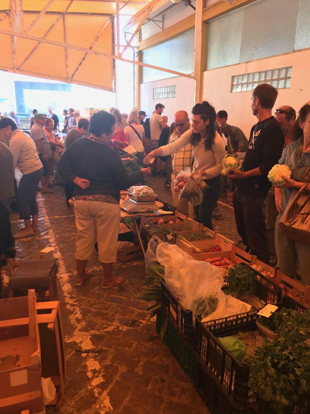 #disawistories #reiseblog #portugal #algarve #lagos #wochenmarkt #digitalnomad #surfen.jpg