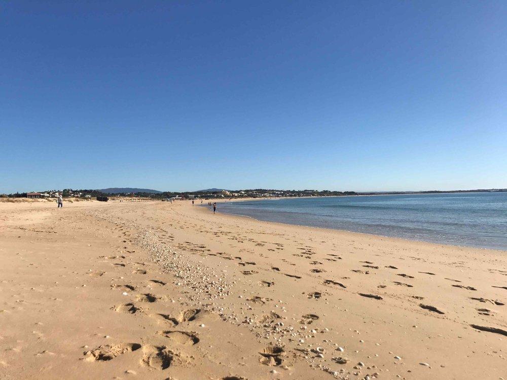 #disawistories #reiseblog #portugal #algarve #meiapraya #surfen.jpg