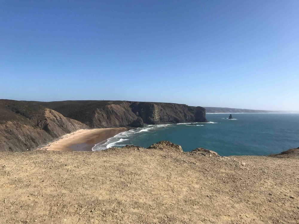 #disawistories #reiseblog #portugal #algarve #arrifana #surfen.jpg