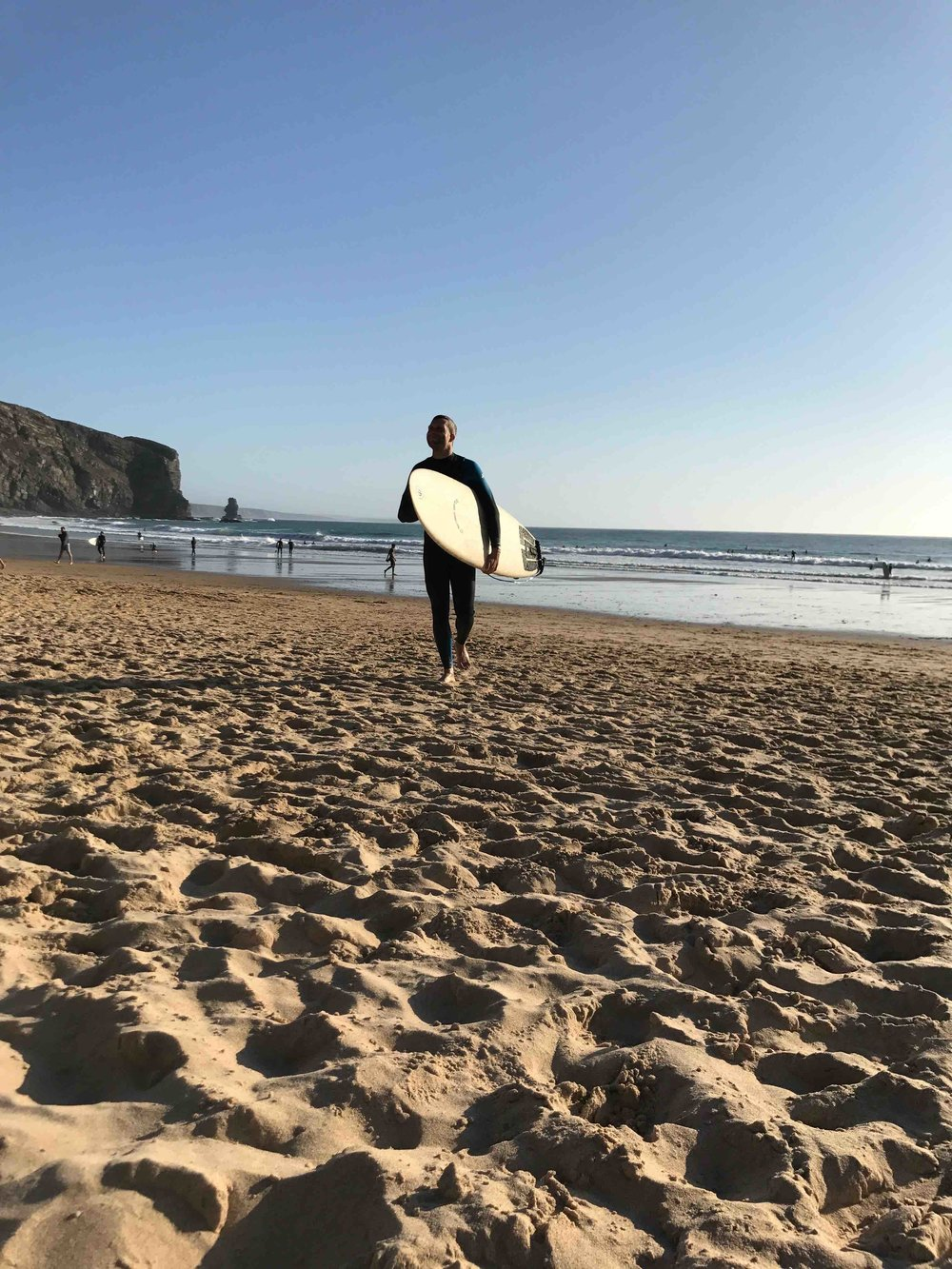 #disawistories #reiseblog #portugal #algarve #arrifana #surfen #alex.jpg