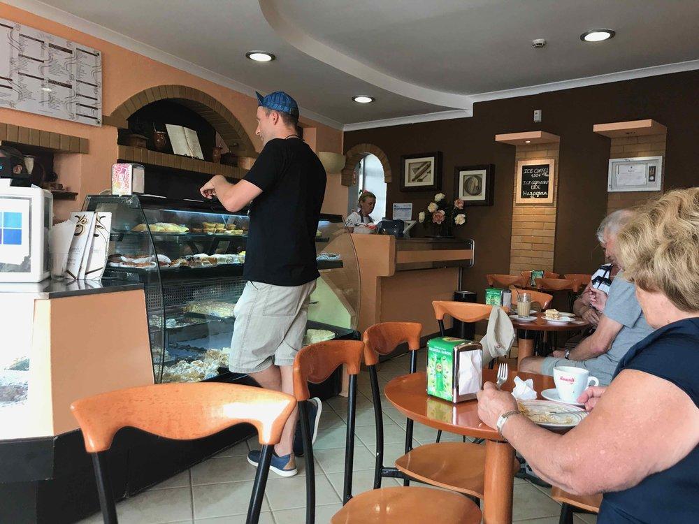#disawistories #reiseblog #portugal #algarve #lagos #cafegomba #surfen.jpg