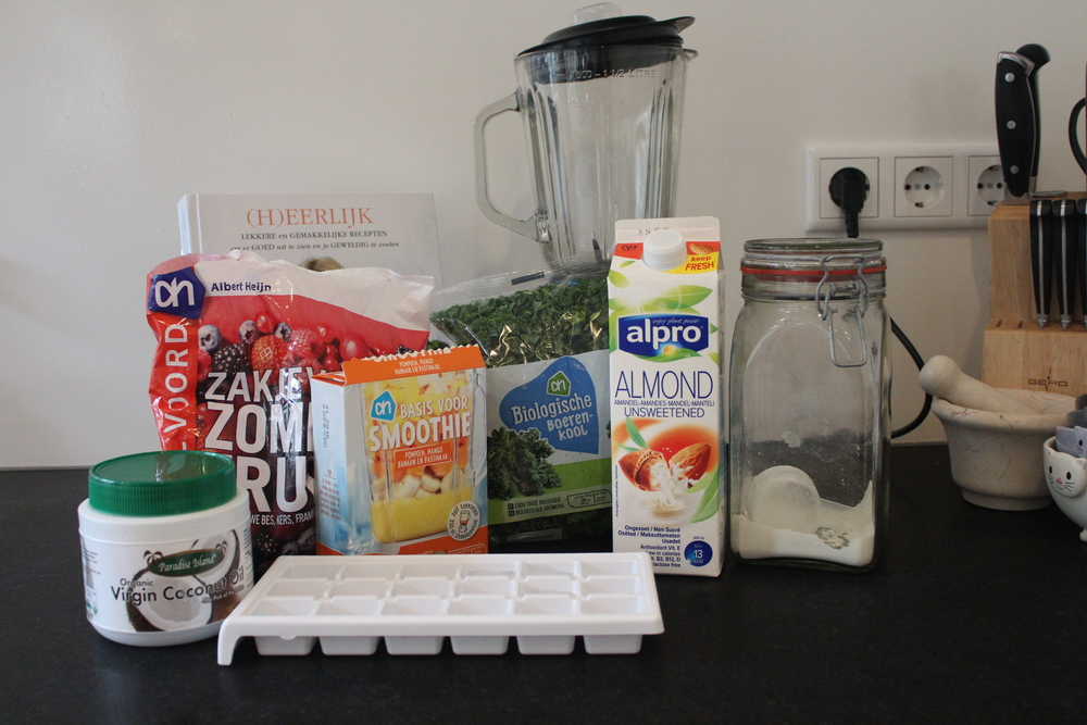 breakfast-smoothie-paleo-ingredients