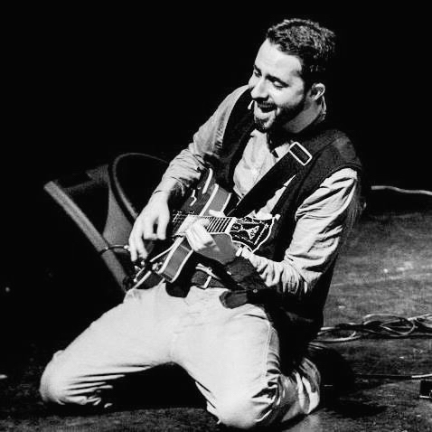 Diego Neuman - Profesor de guitarra, canto, Iniciación al instrumento, taller coral y combo