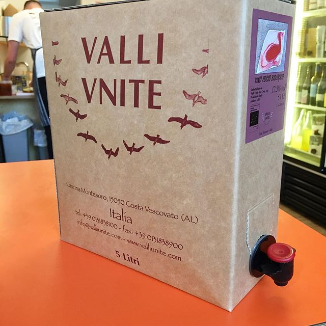 Proving to be the best selling Christmas box so far. Dolcetto from Valle Unite a organic cooperative in Piedmont 5 litres of tasty goodness 6.7 bottles in a light weight ecologically packaged bag in box or BIB 😉