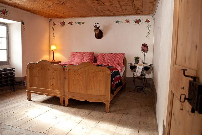 Doppelzimmer 23.jpg