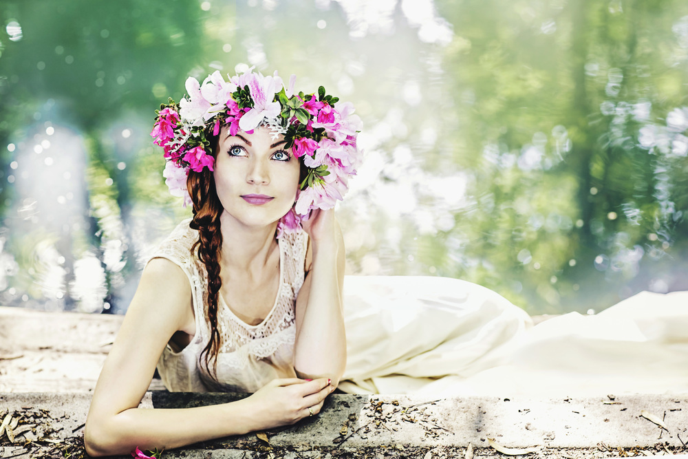 Eva flower crown water style beauty bride fuschia lipstick sanford photographer shaina-pond.jpg
