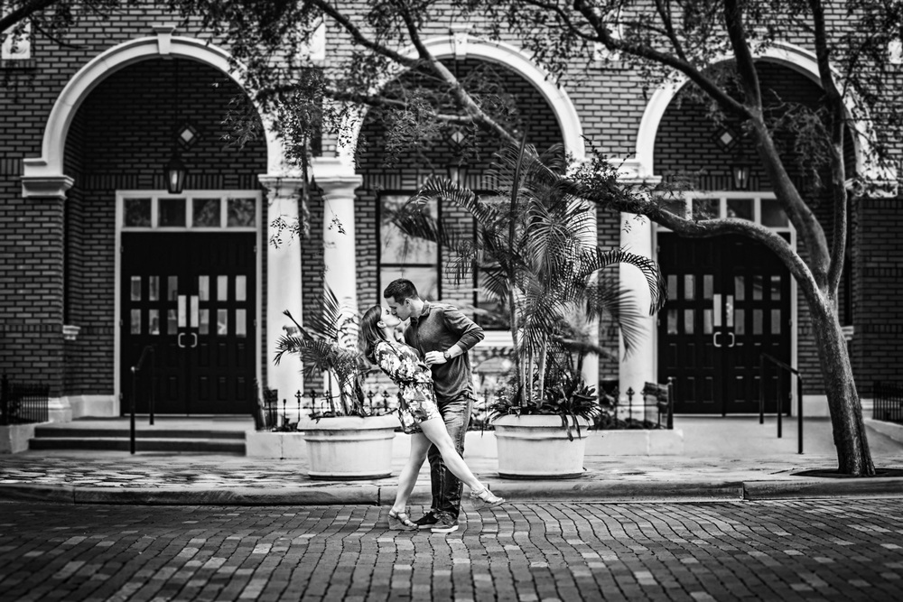 21 Oct 15Allie + David - Church Street Downtown orlando walkabout engagement - organic wedding photography 06.jpg
