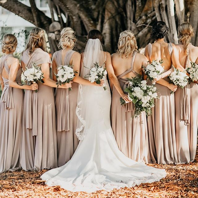 Bride tribe goals.  Love that we took a minute under the banyan trees to honor all these strong, gorgeous souls that have backed our bride Alanna. 🙌🏼 . . . . . Styling : @kristaworthbeauty  Wedding gown: @essenseofaustralia  Rosewood Bridesmaid gowns : @twobirdsbridesmaid  Planning: @swankysoireeevents  Photographer: @shainadeciryan