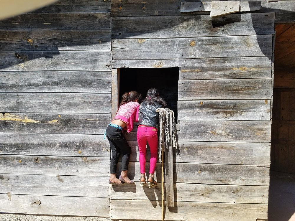 Curious children peeking into our cabin window in Sumal Grande.