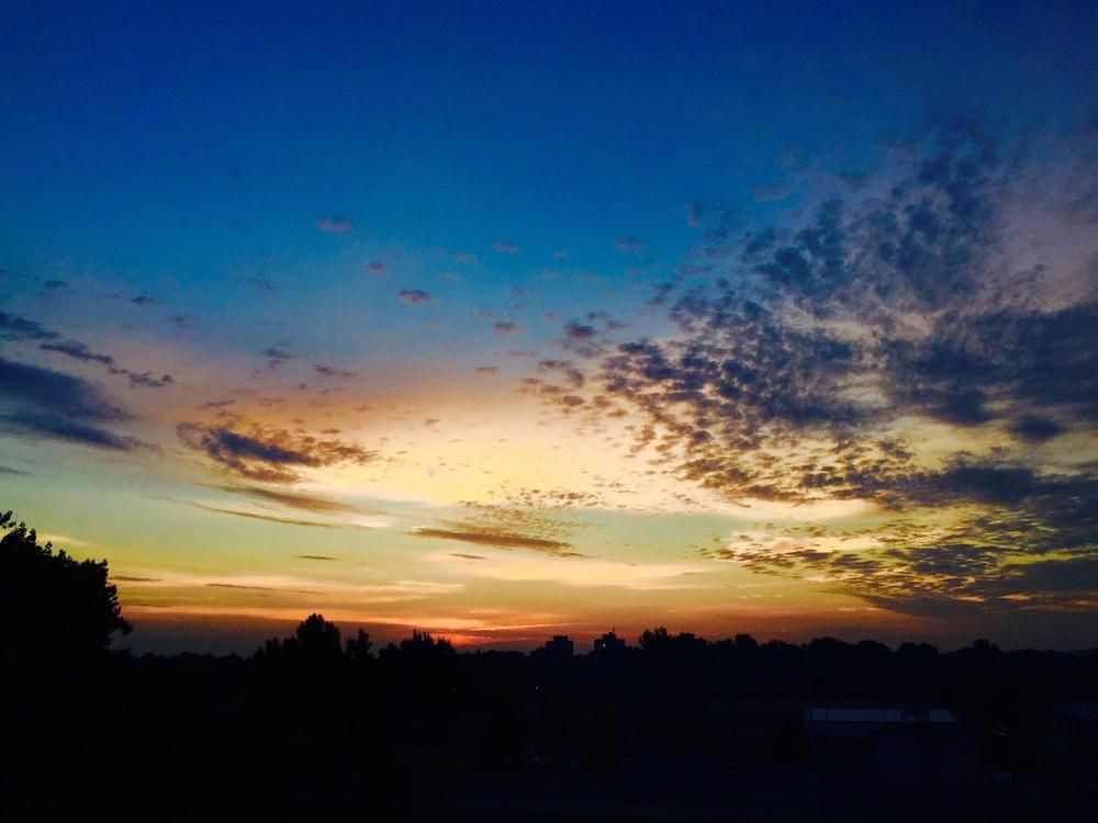 Sol nasce às 4:30, acordei para fechar a janela e aproveitei para clicar!
