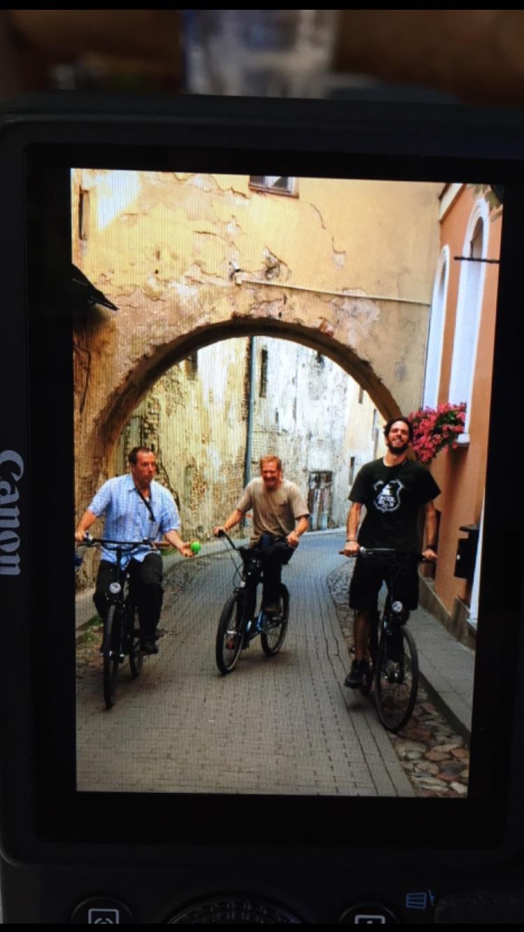 O trio pedalando! PerdoeM-me pela transferência low-tech! Rsrs