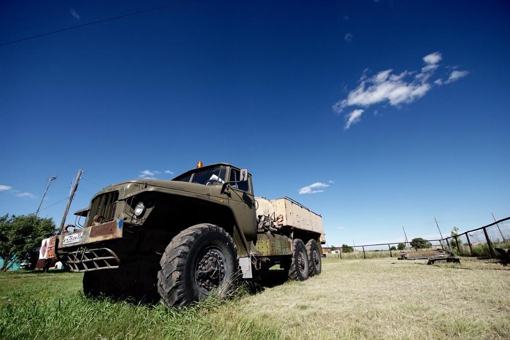 O blogger já ficaria feliz com este caminhão 6x6