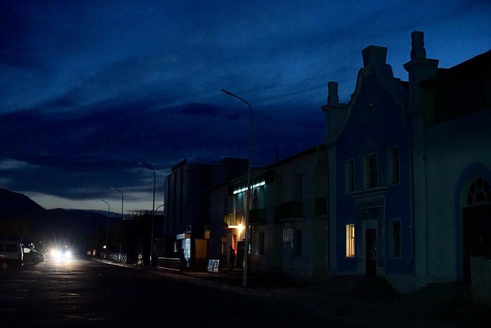 Ruas sem iluminação, é assim mesmo