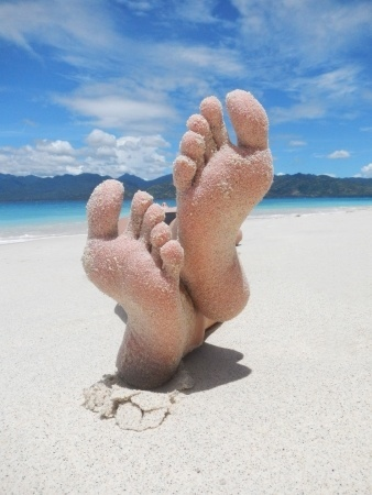 14680341_S_Birthday_Toes_Feet_Beach_Water_Sand_Blue skies.jpg