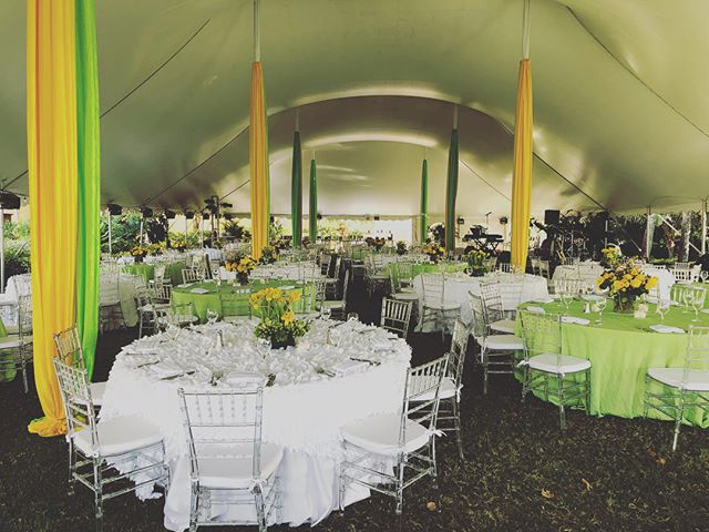 Beautiful weather and setup for last night's corporate event #MaryKenealyEvents #SarasotaEvents #SRQ #eventplanning 💚💛