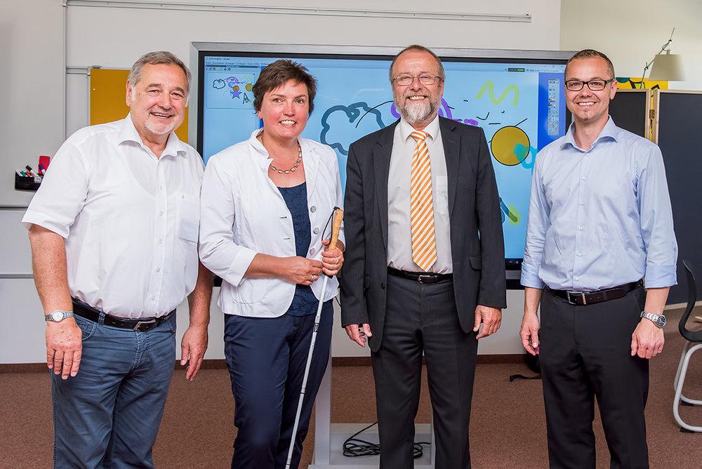 v.l.: Kurt Degen, Irmgard Badura,Dr. Gerald Klenk, Sebastian Degen (Fotos: Fa. DEGEN, Marco Ermann)